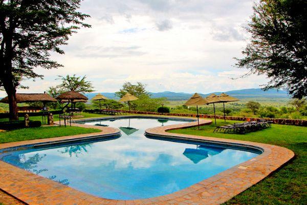 swimming-pool-and-viewsA50C969C-C6FC-7ADD-98BA-C5F4414E9602.jpg