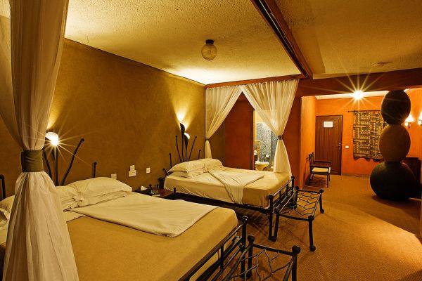 room-interior-30CBC0567-8276-1F7B-D5EA-838BBCDFFC33.jpg