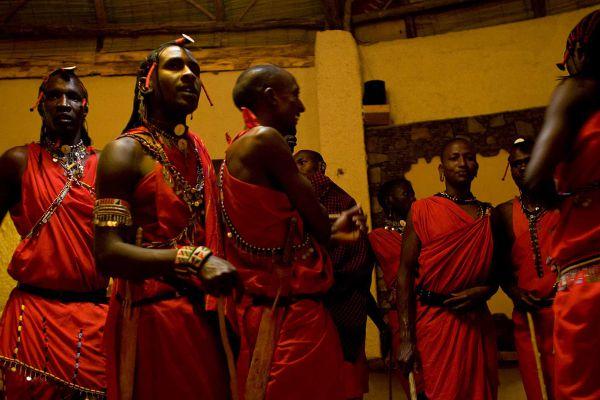 masai-danceB26E10D5-818F-686E-3BF9-14CAC31EF603.jpg